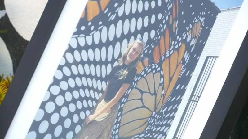 Manhunt for Brian Laundrie intensifies as Gabby Petito memorial grows.
