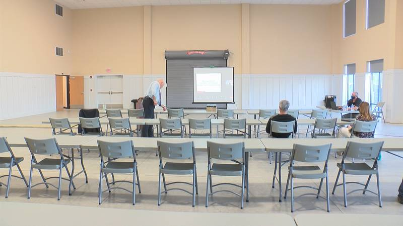 Monongalia County holds a meeting to inform residents about the county's Broadband plan.