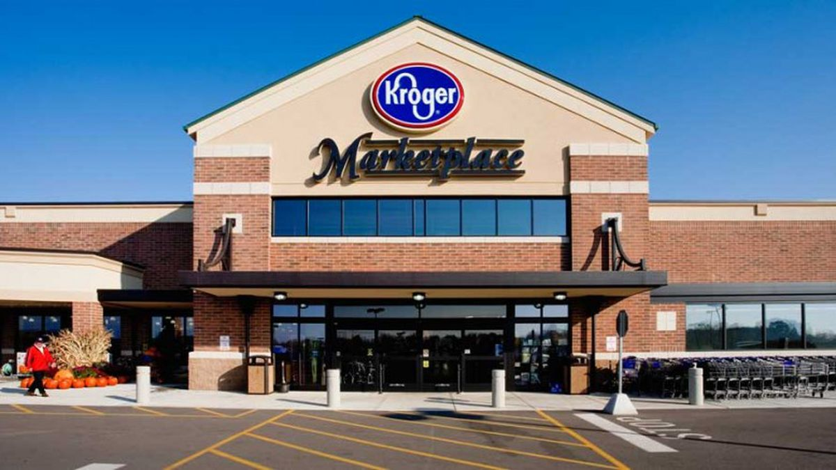 Kroger spokesperson Erin Rofles confirmed Friday the grocer will no longer return coin change to customers. Instead, the remainders from cash transactions will be applied to customers' loyalty cards and automatically used on their next purchase.