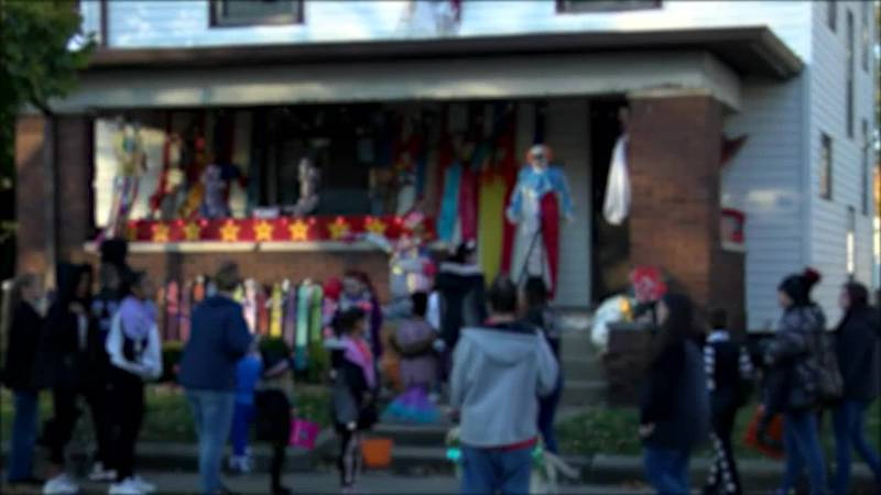 Halloween spending is breaking records! The National Retail Federation estimates Americans will...
