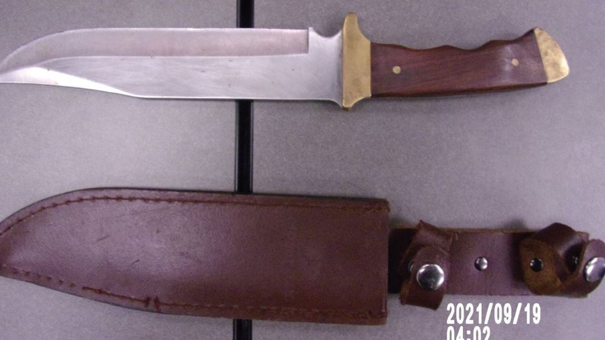 A haunted house actor used a real knife instead of a prop knife.