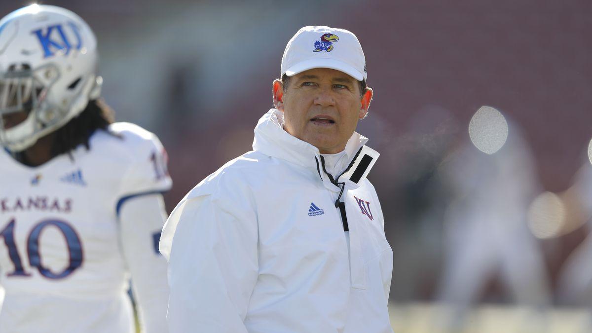 Kansas head coach Les Miles (AP Photo/Matthew Putney)